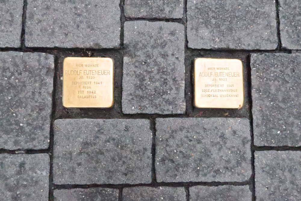 Golden plates in the footpath in Cologne